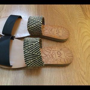 DV 2 strap sandals